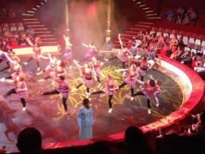 anna-camara-spectacle-cirque-hiver-danse-africaine-guinee