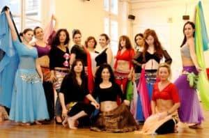 fatima-chekkor-professeur-danse-orientale-cours-adulte-eleves-cdm