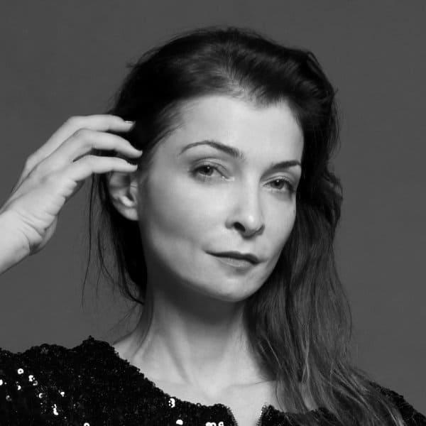 yasna-stevovic-professeur-barre-au-sol-classique-cdm
