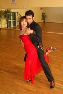 demonstration-danse-tango-argentin-suky-professeur-danse-de-salon-cdm