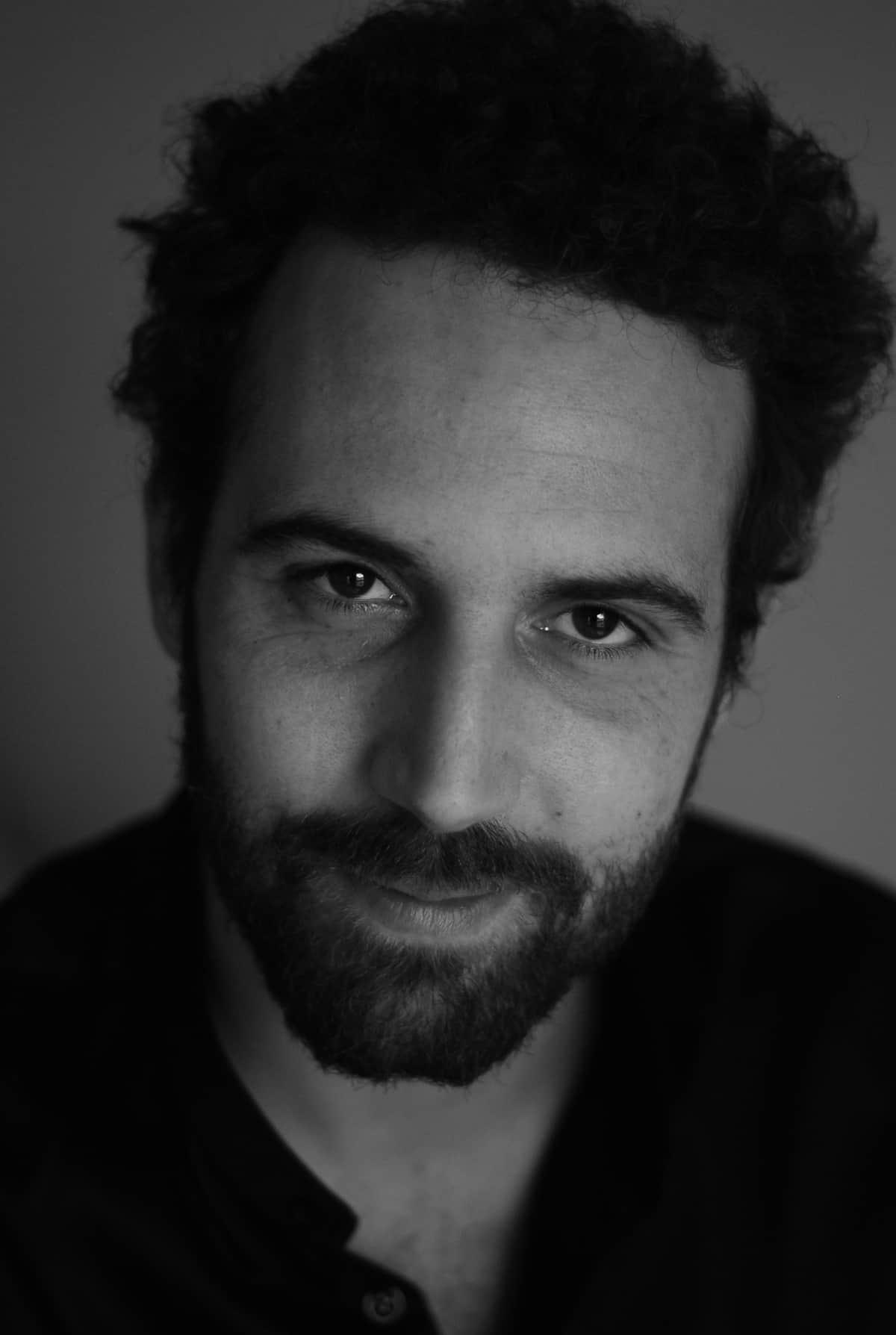 simon-de-gliniasty-chanteur-lyrique-professeur-theatre-jeu-de-scene-acteur-bluetempo-cdm